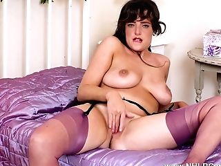 Buxomy Brit Mummy Kate Anne Wanks On Couch In Sexy Nylons And High High-heeled Shoes After Striptease