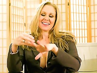 Real Legendary Porno Actress Julia Ann In Backstage Xxx Interview