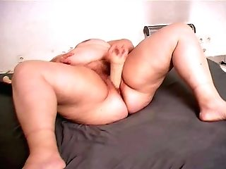 Bbw Granny Is Masturbating & Using Hookup Fucktoys