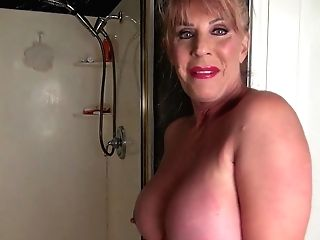 Matures Rae Hart Soiree In The Bathroom