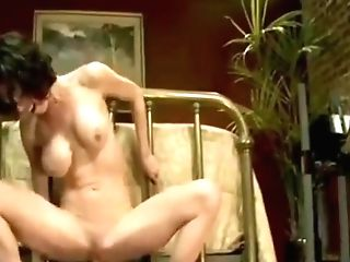 Matures Cougar Fucks Herself On Fucking Machine To Numerous Orgasms