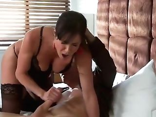 Tempting Big-titted Mom Kendra Eagerness