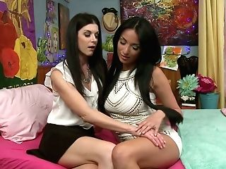 French Cougar With Ideal Kinks Anissa Kate Is Tonguing Tastey Puss